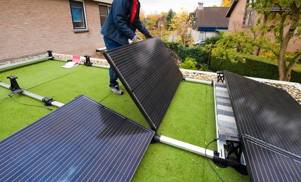 zonnepanelen plat dak installatie