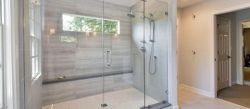 Inloopdouche plaatsen in een bestaande badkamer. Een goed idee?