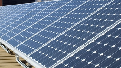 Zonnepanelen: Verhoog je rendement met zonnepanelen op een plat dak