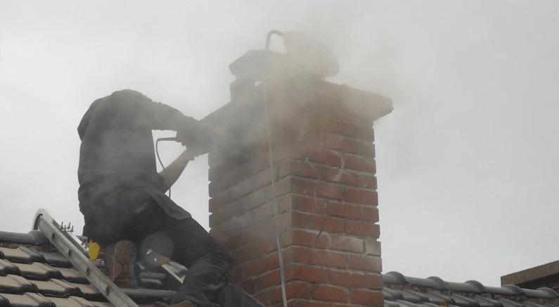 Prijs schoorsteenvegen: Waarom je schoorsteen laten vegen?