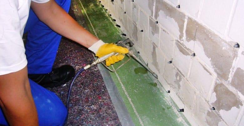 Vochtige kelder droog maken: muren injecteren