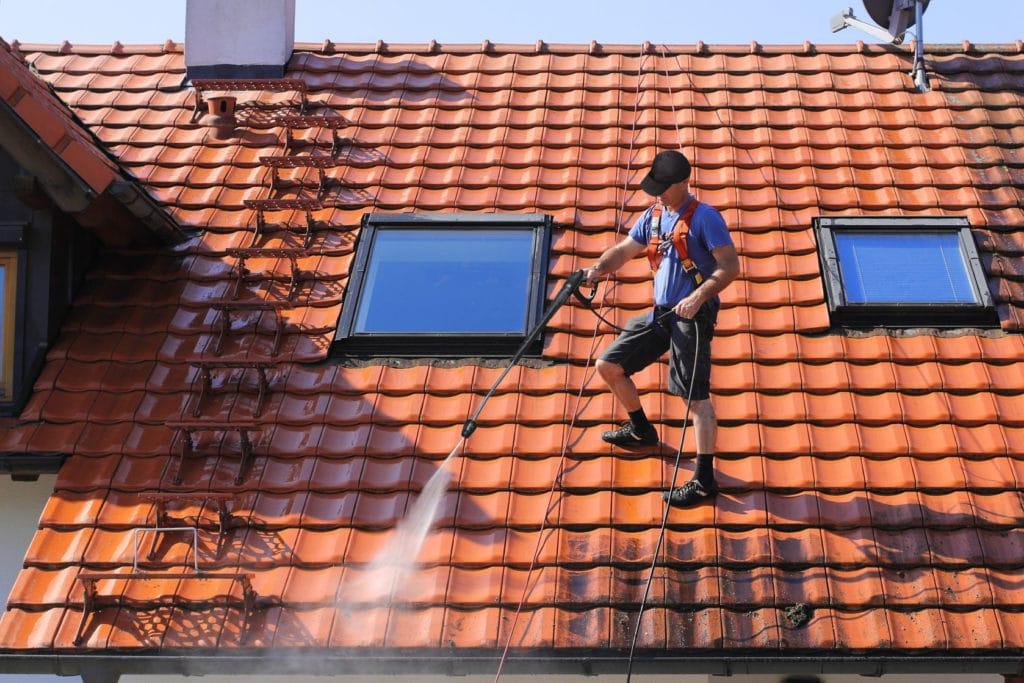 Dakwerker: onderhoud hellend of plat dak