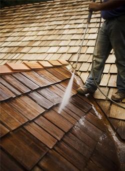 Hoe je dak elk seizoen onderhouden
