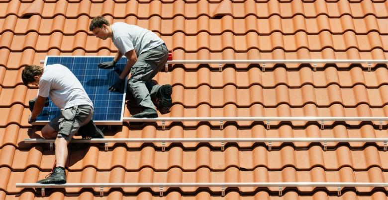 Waarom zonnepanelen op je dak plaatsen?