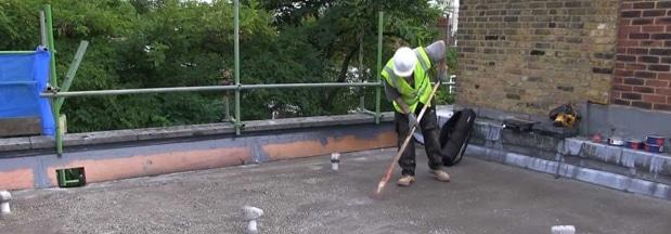 Plat dak reinigen