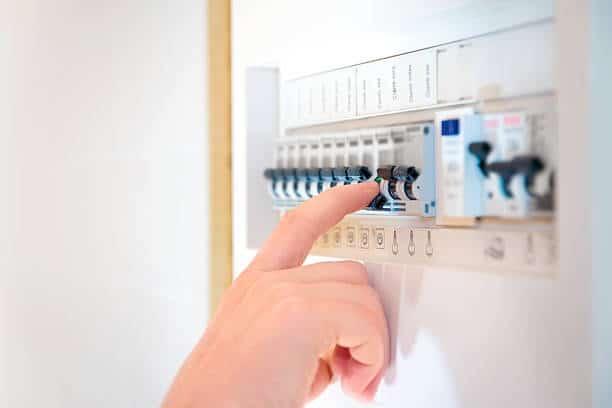 Elektriciteit laten keuren: voorkom de 5 meest gemaakte fouten