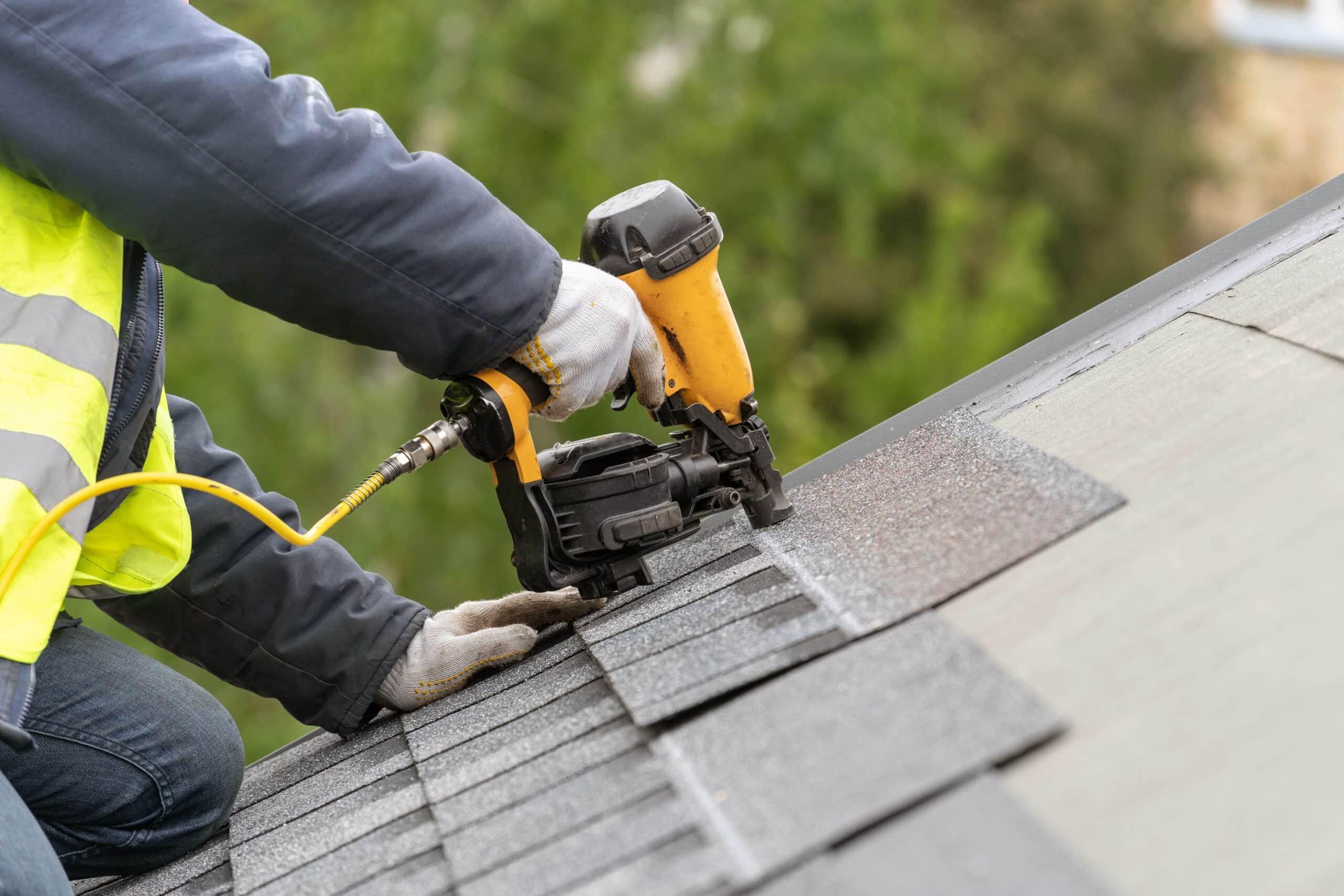Dakwerker: hoe dakwerkers vinden en vergelijken?