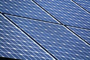 Aantal zonnepanelen nodig om aan energieverbruik te voldoen.