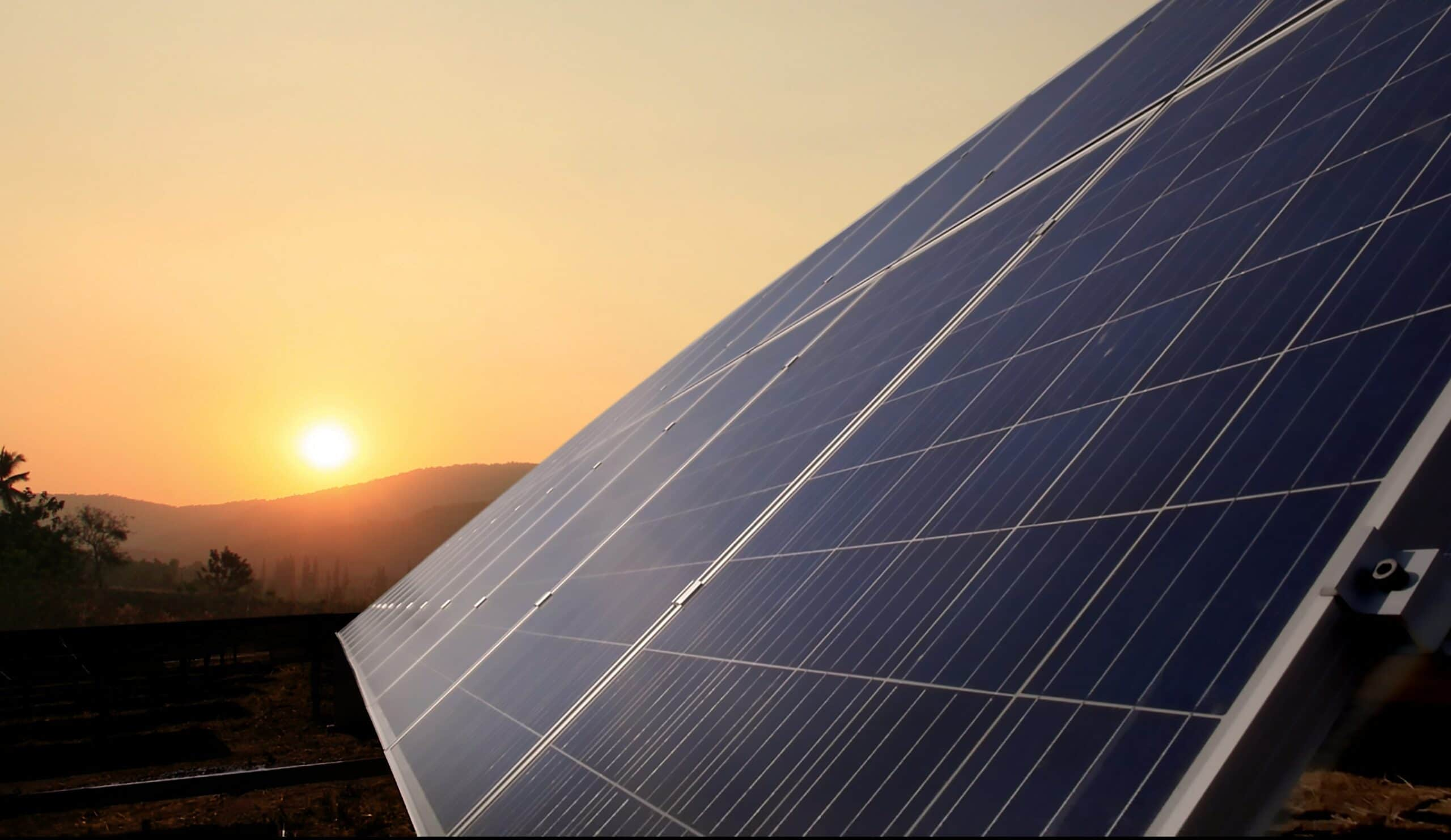 Hoeveel kosten zonnepanelen? Zonnepanelen prijs & tips