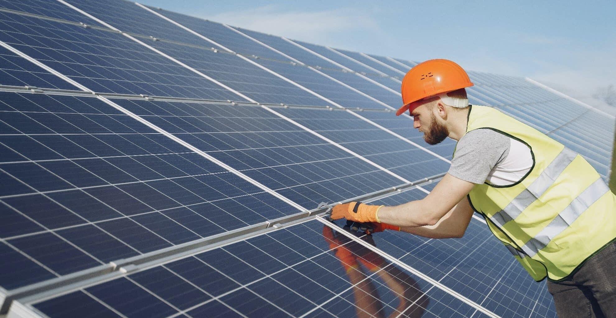 zonnepanelen installeren offerte